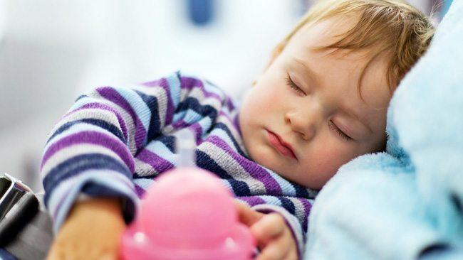 Speči otrok na letalu