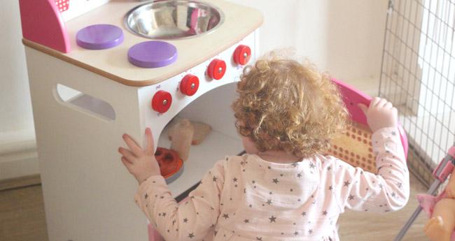 Otroške lesene kuhinje