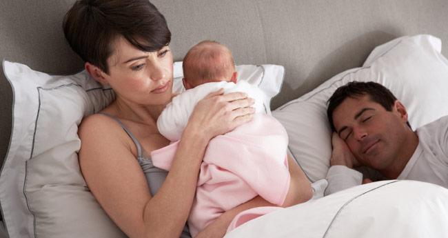 Zakaj se dojenček ponoči zbuja?
